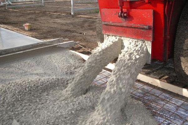 Где в Липецке на заливку бетона цена за куб работы ниже среднерыночной?